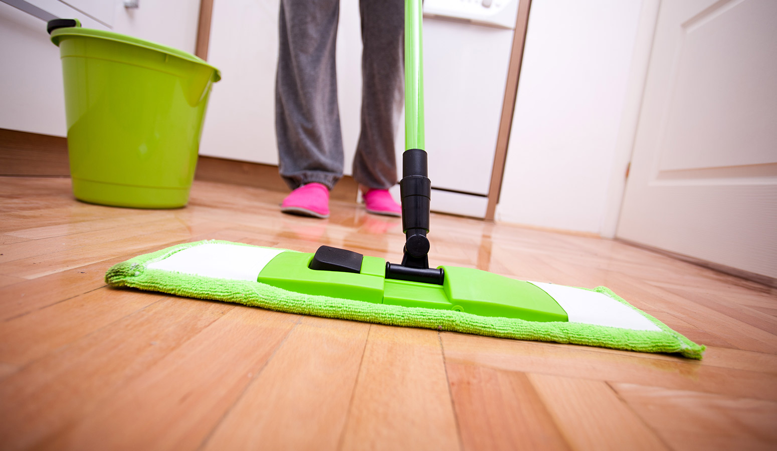 floor-cleaning-home